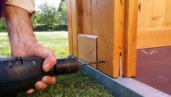 Aufbau der Holz Garage
