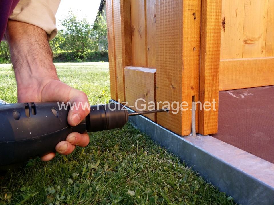 Hier Können Sie Sich Selbst Ein Bild Machen, Wie Der Aufbau Von Der Holz  Garage Abläuft.
